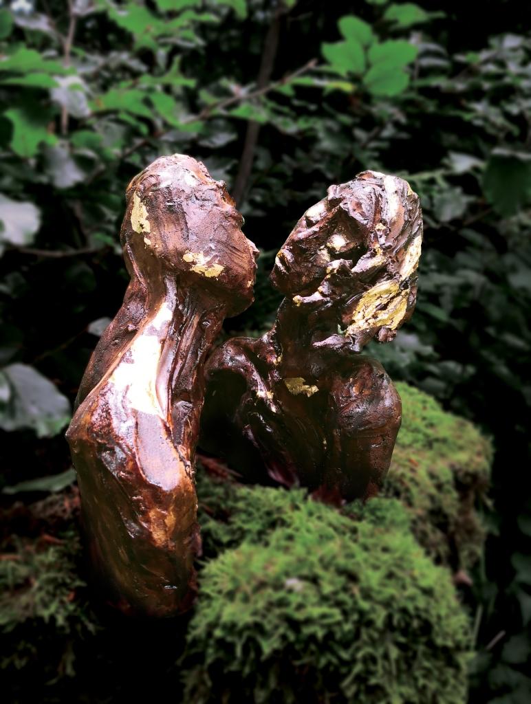 THE KISS, Sculpture en argile de Cathy Yersin